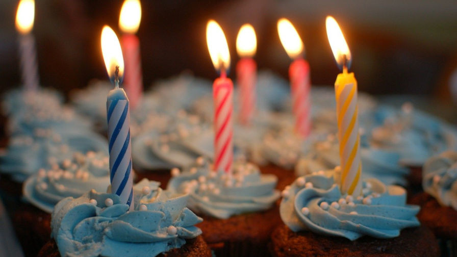 birthday-cupcakes Happy 17th, WordPress design tips