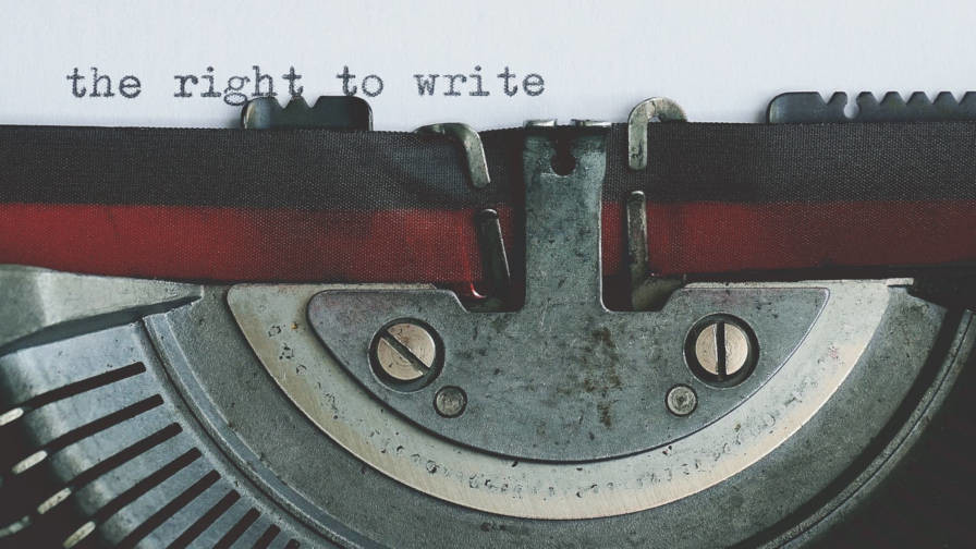 old-typewriter-closeup Should WordPress Provide an API for Third-Party Editors? design tips