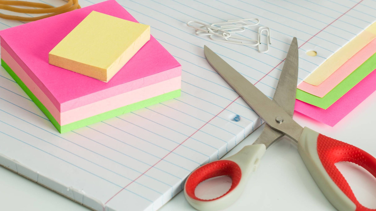 scissors-paper-sticky-notes Are Plugin Authors to Blame for the Poor Admin Notices Experience? design tips