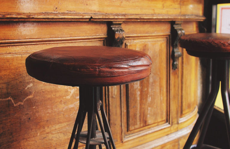 bar-stool-770x500 Ask the Bartender: What Happens to the Customizer When a Block Theme Is Active? design tips